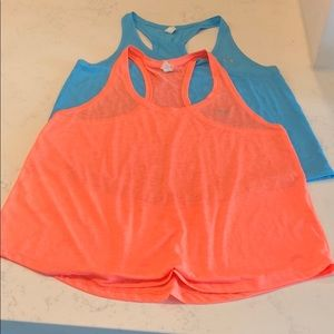 Set of 2 lightweight sheet athletic tank tops
